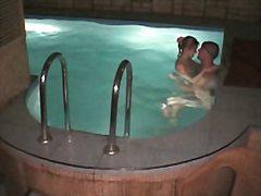 Porno: Svømmebasseng, Nakne, Spion, Skjult