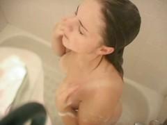 Porn: Vohun, Rjavolaska, Joške, Tetovaža