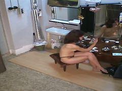 جنس: استراق النظر, تجسس, كاميرا مخفية, عاريات الصدر