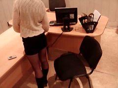 პორნო: ოფისი, გოგო, შპიონი, დამალული