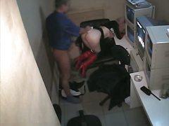 פורנו: מצלמה נסתרת, דוגי, במשרד, מגפיים