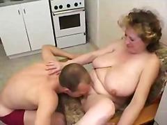 جنس: خبيرات, في المطبخ, أمهات, أول مرة