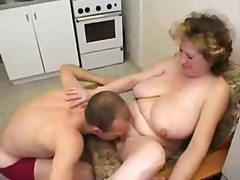 Porno: Zralý Ženský, Kuchyně, Maminy, Poprvé