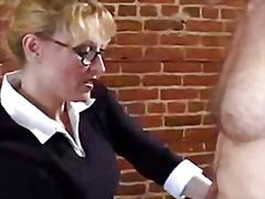 Porno: Bjondinat, Mësuesja, Milf