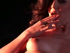 Porno: Me Taka, Jashtë Shtëpisë, Masturbime
