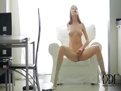 Porn: Masturbacija, Igrača, Najstnica