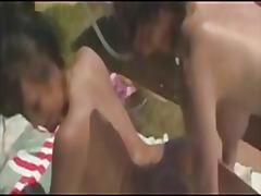 جنس: حمام السباحة, نظارات, بكينى, سحاقيات