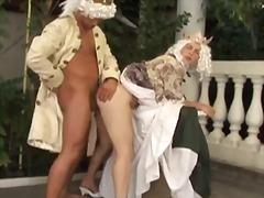 Porno: Gözəl, Çöldə, Məhsul