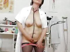 Porno: Põetaja, Küps, Emme, Lähivõte