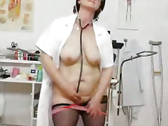 Pornići: Medicinska Sestra, Starije, Mama, Izbliza