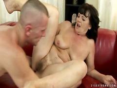Porno: Zēni, Mammas, Vecmāmiņas