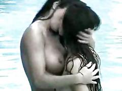 جنس: حمام السباحة, سحاقيات
