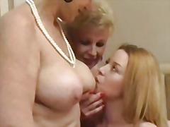 Porn: समलिंगी स्त्रियां, मुह में, उंगली