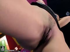 Porno: Fingring, Dildo