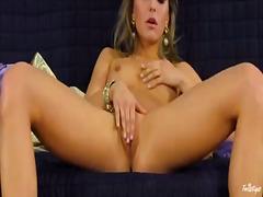 Porno: Joguina, Masturbació