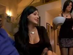 Porno: Cicëmadhet, Threesome, Kari I Madh