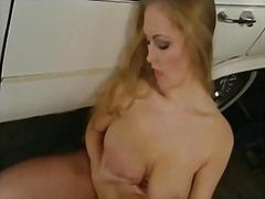 Porno: Cicëmadhet, Cicëmadhet, Cica, Në Grupë