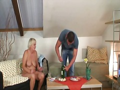 Porno: Pusmūža Sievietes, Tīņi, Mājsaimniece, Pusmūža Sievietes