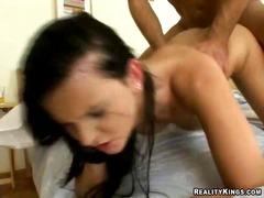 Porn: किशोरी, लहंगा