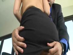 Porn: वर्दी, बड़े स्तन, पोर्नस्टार