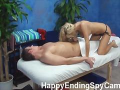 Porno: Blondīnes, Spiegi, Masāža