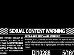 Porno: Yığıncaq, Qrup, Təbii Döşlər, Döşlər