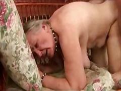 Pornići: Zrele Žene, Baka