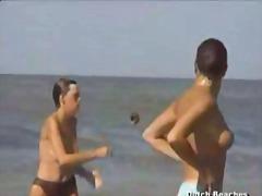 جنس: شاطىء, استراق النظر, عاريات الصدر