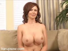 Porn: मिल्फ़, काले बाल वाली, बड़े स्तन