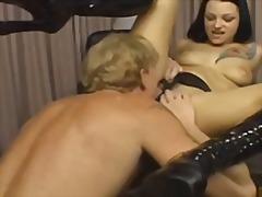 Phim sex: Đồ Chơi, Con Trai, Dương Vật Giả, Súng Giả