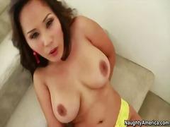 Porno: Pupper, Asiatisk, Stor Rund Rumpe, Store Bryster