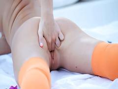 Порно: Оргазъм, Соло, Блондинки, Търкане