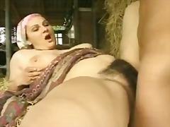Porn: अधेड़ औरत, बड़े स्तन