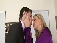 Porno: Țâțe, Sani Uriasi, Tanar Si Matura, Blonde