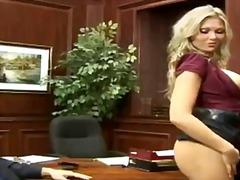 Porno: Dideli Užpakaliai, Putka, Laižymas