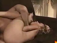 پورن: ریز ممه, مو بور, پستون, نو جوان
