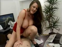 Porno: Grup De Tres, Mare Que M'agradaría Follar, Morenes, Oficina