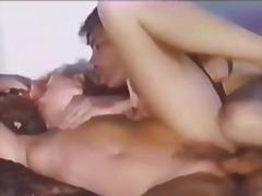 Porno: Në Shtrat, Stili Qenit, Kauboje