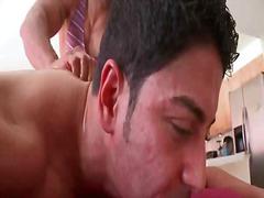 Порно: Татуировка, Леко Порно, Събличане, Масаж
