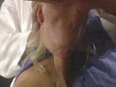Porno: Pas Daktarą, Krūtys, Istorijos