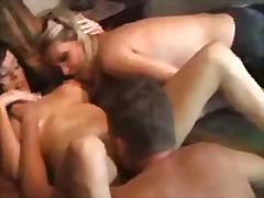 ポルノ: 母親, 美熟女, 3人プレイ, ハードコア