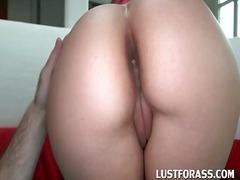 Porno: Brunetes, Lieli Pupi, Milzīgi Pupi, Meitenes