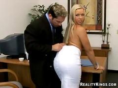 ポルノ: おっぱい, 巨乳, マッサージ, ランジェリー