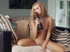 Πορνό: Μουνάκι, Πλαστικό Πέος, Νεαρή, Ξυρισμένη