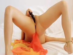Порно: Търкане, Играчка, Бръснати, Оргазъм