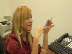 Porno: Latina, Loqkat, Flokëkuqe, Në Zyre