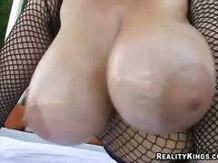 Porn: Մեծ Կրծքեր, Ծիծիկներ, Դրսում