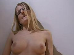 Porno: Finger, Blond, Masturbationen, Brille