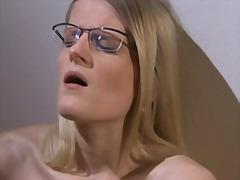Порно: Палець, Блондинки, Вона Дрочить, Окуляри