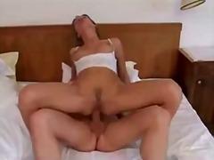 Порно: Французойки, Легло, Тийнейджъри